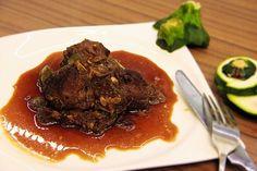 Marinovaná vepřová líčka s cuketou a zelenou pálivou paprikou /Marinated pork cheeks with zucchini and green hot pepper/ Zdravé, nízkosacharidové, bezlepkové recepty. (Healthy, low carb, gluten free recipes.)