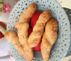 Recipe Koulourakia - Greek Easter biscuits by ginisann, learn to make this recipe easily in your kitchen machine and discover other Thermomix recipes in Baking - sweet. Chef Recipes, Sweet Recipes, Cooking Recipes, Easter Recipes, Holiday Recipes, Easter Biscuits, Greek Easter, Cooking Chef, Recipe Community