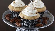 Cinnamon Roll Cupcakes with Cream Cheese Frosting and Pecans If you''d always wished that cinnamon rolls were eaten at every meal of the day you''ll rejoice at this clever new way to bring the tastiness of breakfast into a delightful cupcake recipe. Cinnamon Roll Cupcakes, Cupcakes With Cream Cheese Frosting, Cinnamon Rolls, Yummy Cupcakes, Cupcake Recipes, Cupcake Cakes, Dessert Recipes, Cup Cakes, Pecan Recipes