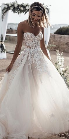 white wedding dress A-Line bridal dress Sweetheart Sleeveless Sweep Train Tulle Wedding Dress with Appliques Hochzeitskleid 2019 - wedding and engagement 2019 Sweetheart Wedding Dress, Perfect Wedding Dress, White Wedding Dresses, Cheap Wedding Dress, Strapless Wedding Dresses, Princess Wedding Dresses, Wedding Dress On A Budget, Tulle Ballgown Wedding Dress, Waters Wedding Dress