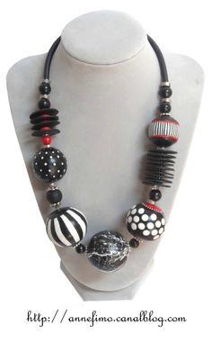 Graphic necklace @ Parole de Pate