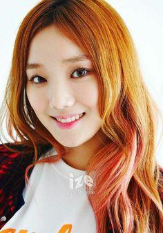 Korean Actresses, Korean Actors, Kim Bok Joo Lee Sung Kyung, Shades Of Red Hair, Weightlifting Fairy Kim Bok Joo, Joo Hyuk, Korean Model, Celebrity Photos, Redheads