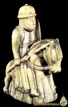 Pieza de un juego de ajedrez francés, Caballo - Siglo XII Marfil  Museo del Bargello de Florencia