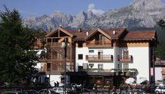 Hotel K2, www.k2andalo.upps.it, Hotel K2 liegt im Zentrum von Andalo in einer günstigen Lage und angrenzend an den Skiliften von Paganella. Das Hotel K2 ist ideal für einen erholsamen Urlaub. Die Zimmer sind raffiniert eingerichtet und mit allem Komfort ausgestattet.