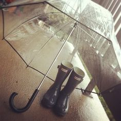 My favorite @HunterBoots and adorable bubble umbrella