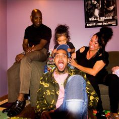 Cuteness overload! Chris Brown shares pics of himself with his parents and his daughter Royalty - http://www.nollywoodfreaks.com/cuteness-overload-chris-brown-shares-pics-of-himself-with-his-parents-and-his-daughter-royalty/