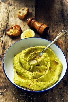 Et si mon houmous prenait des airs de guacamole ? Houmous ou Hummus c'est comme vous voulez mais en tout cas c'est à l'avocat !