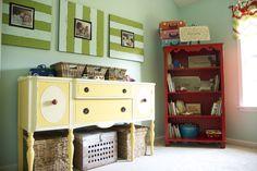 Frame idea for photos in the playroom