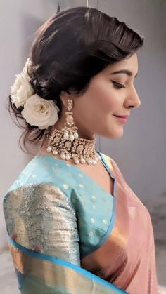 Beautiful South Indian Wedding Wear Idea :- AwesomeLifestyleFashion Different Culture have their own look and style and Kanjivaram and. Bridal Lehenga, Saree Wedding, Indian Dresses, Indian Outfits, Indian Attire, Indian Wedding Wear, Bride Indian, Kerala Bride, South Indian Bride Hairstyle