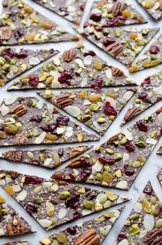Hippie Chocolate Bark - Taste Love and Nourish - This Hippie Chocolate Bark is amazing! Dark chocolate loaded with fruits, nuts and seeds. Learn how to create chocolate bark with just one baking sheet. Tienda Chocolate, Chocolate Bark, Vegan Chocolate, Chocolate Cookies, Melting Chocolate, Cocinas Chocolate, Candy Recipes, Dessert Recipes, 16 Bars