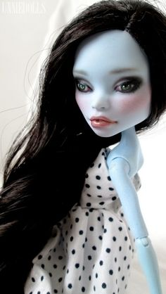 RESERVED!!! Amy: Fully Customized Monster High doll - Abbey Bominable
