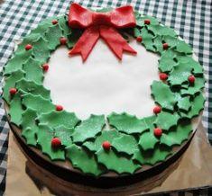 Baking & Desserts - Cakes, Sugarcraft: Christmas Cake Decorating by Craft Cakes Christmas Cake Designs, Christmas Cake Decorations, Christmas Desserts, Christmas Treats, Christmas Cakes, Xmas Cakes, Xmas Food, Christmas Cooking, Decoration Patisserie