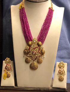 Beeds Appx 90 GMs set 05 November my pink pendant Gold Jewellery Design, Bead Jewellery, Gems Jewelry, Beaded Jewelry, Silver Jewellery, Jewellery Workshop, Antique Jewellery, Jewelry Crafts, Coral Jewelry