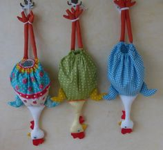 Kitchen Bags Holder Pig pattern by Yana Muradian Fabric Crafts, Sewing Crafts, Sewing Projects, Quilt Patterns, Sewing Patterns, Crochet Patterns, Crochet Waffle Stitch, Chicken Pattern, Chicken Crafts