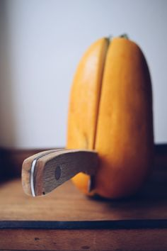 Špagetová dýně • CukrFree.cz Low Carb Recipes, Pear, Banana, Fruit, Food, Low Carb, Essen, Bananas, Meals