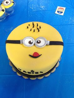 Cake at a Despicable Me Party #despicableme #partycake