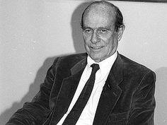 Grazie Giorgio Bocca. Nato a Cuneo il 18 agosto 1920 e deceduto a Milano il 25 dicembre 2011. Nel 1943 decidi di aderire, nella clandestinità, al Partito d'azione. Dopo la liberazione sei diventato il giornalista e scrittore, sempre militante, che tutti conosciamo.