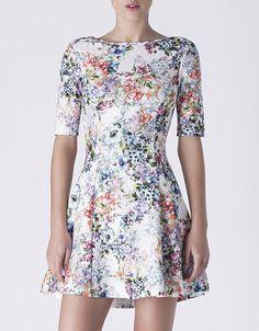 No te pierdas los vestidos con print floral en SuiteBlanco esta primavera 2015 #moda #tendencia #trend #suitblanco #fashion