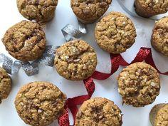 SOURCEDE WOW, de MÉGAWOW et de j'en reviens juste pas! Un minimuffin SEL'AMOUR, c'est une bouchée de joie, de paix intérieure et de réjouissance pour tout le monde. C'est une bouchée d'amour qui se cuisine en un rien de temps. Oui, on met un peu de pépites de caramel… mais, c'est un spécial Noël. Ha... Sweets, Bread, Cookies, Breakfast, Ha Ha, Pains, Butterscotch Chips, Gram Flour, Gluten Free Flour
