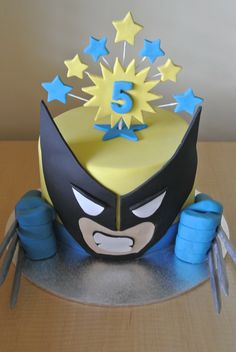 Add one of these super cool superhero cakes to your superhero party to make it extra special. These fun super hero cakes will be the start of your party! Superhero Cake, Superhero Birthday Party, Boy Birthday Parties, Birthday Ideas, Birthday Cakes, Cupcakes, Cupcake Cakes, Xmen, Wolverine Cake