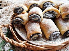 Hungarian Cake, Hungarian Recipes, Hungarian Food, Something Sweet, Pretzel Bites, Sausage, Sweet Treats, Deserts, Food And Drink