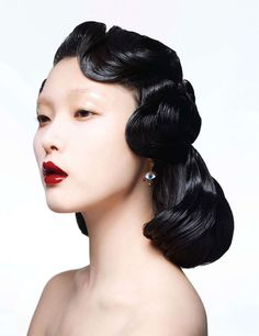 Jin Hye Park Perfect hair style from 40's, amazing porcelain makeup #topmodel #porcelain #koreanfashion