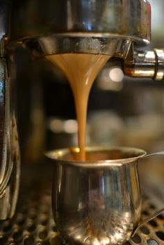 Great ways to make authentic Italian coffee and understand the Italian culture of espresso cappuccino and more! Espresso Shot, Espresso Coffee, Coffee Cafe, Coffee Drinks, Coffee Shop, I Love Coffee, Coffee Break, My Coffee, Morning Coffee