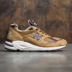 reputable site baa16 8626a New Balance Men 990v2 M990DVN2 - Made In USA (brown   white) New Balance