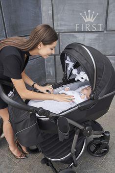 Cute Baby Strollers, Nimo Rapper, Cute Kids, Cute Babies, Cute Baby Photos, Baby Carriage, Cute Family, Prams, Reborn Baby Dolls