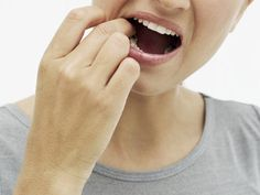 Remedies for treating canker sores: swish 2p water, 2p hydrogen peroxide, 1p baking soda, 1p salt to help abate infection. Tongue Sores, Mouth Sores, Natural Treatments, Natural Cures, Natural Health, Canker Sore Home Remedies, Canker Sore Treatment, Healing Cold Sore, Holistic Treatment