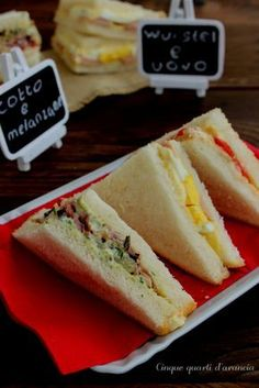 tramezzini Brunch Recipes, Appetizer Recipes, Snack Recipes, Snacks, I Love Food, Good Food, Healthy Finger Foods, Waffle Sandwich, Panini Sandwiches