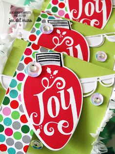 Holiday Treat package by Jen del Muro. Reverse Confetti stamp set: Merry & Bright. Confetti Cuts: Merry & Bright, Double Scallop Garland, and Stitched Flag Trio. Quick Card Panels: 'Tis the Season. Frosted Pillow Box. Christmas gift box. Chirstmas favor.