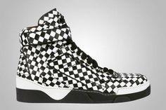 Givenchy apresenta coleção de calçados pré-Fall 2013