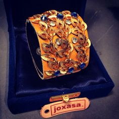 Joxasa wreath cuff