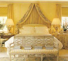غرف نوم صفراء