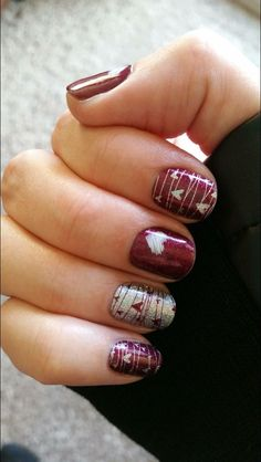 40 Gorgeous Fall Nail Art Ideas To Try This Fall Are you looking for fall nail designs 2018 that are excellent for fall? See our collection full of fall nail designs acrylic nails. Red Nail Art, Red Nails, Maroon Nails, Pink Nail, Matte Nails, Gorgeous Nails, Pretty Nails, Gorgeous Gorgeous, Nagellack Design
