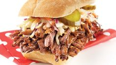 Be tempted by this easy Shredded beef sandwiches recipe Shredded Beef Sandwiches, Gourmet Sandwiches, Dinner Sandwiches, Healthy Sandwiches, Sandwiches For Lunch, Sandwich Recipes, Lunch Recipes, Grill Sandwich, Roast Beef Sandwich