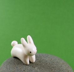 Motion Bunny - Hand Sculpted Miniature Polymer Clay Animal on Etsy, Polymer Clay Kunst, Polymer Clay Figures, Polymer Clay Animals, Polymer Clay Miniatures, Fimo Clay, Polymer Clay Projects, Polymer Clay Charms, Polymer Clay Creations, Clay Crafts