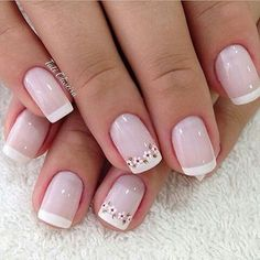 50 super french tip nails to add another dimension i .- 50 Super Französisch Tipp Nägel, um eine weitere Dimension Ihrer Maniküre zu bringen 50 super french tip nails to add another dimension to your manicure their - Fun Nails, Pretty Nails, Diy Ongles, Nagel Hacks, Floral Nail Art, Daisy Nail Art, Daisy Nails, French Tip Nails, French Manicures