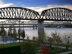 Whether you think of it as the northernmost city in the South, or the southernmost city in the North, the fact remains that Louisville, Kentucky, is a place where the best parts of the Midwest and the South fuse. It