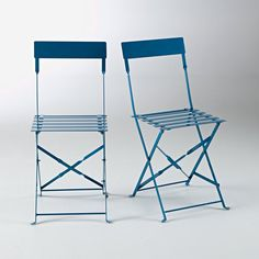 Folding metal chair, Set of 2 La Redoute Interieurs image Metal Folding Table, Modern Furniture, Home Furniture, Parasol, Garden Table, Metal Chairs, Paint Finishes, Tub Chair, Home Accessories