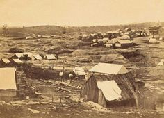 The Golden Point gold diggings in 1862.Golden Point is a suburb of Ballarat,Victoria, located south-east of the CBD.