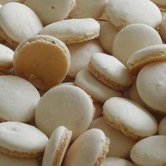 Les bredeles à l'anis sont très faciles à réaliser et riches en goût Xmas Food, Christmas Cooking, Macarons, Eating Gif, Algerian Recipes, Algerian Food, Desserts With Biscuits, Christmas Biscuits, Biscuit Recipe