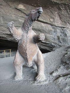 Replica del Milodón. Cueva de Milodón. XII Región de Magallanes. Chile.