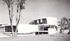Fachada principal, Casa en Pedregal, Jardines del Pedregal, México DF 1962 Arq…