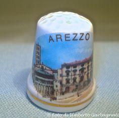 """...Ditale in porcellana """"Arezzo"""" (I) - © Umberto Garbagnati -."""