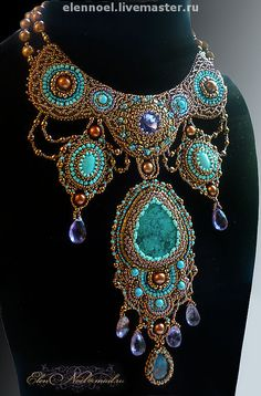 Handmade bead embroidered necklace with turquoise. Jewelry Art, Beaded Jewelry, Handmade Jewelry, Beaded Necklace, Jewelry Design, Bead Embroidery Jewelry, Beaded Embroidery, Maxi Collar, Beadwork Designs