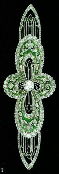 Art Deco diamond brooch. Old European cut diamonds , rose-cut diamond , Platinum & Gold , enamel. Europe, around 1920