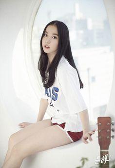 Gfriend Album, Fans Cafe, G Friend, Mini Albums, Asian Girl, Hip Hop, Graphic Sweatshirt, Photoshoot, Crop Tops