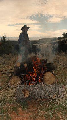 Hip at Branding by Mr. David Rogerson Hip at Branding par M. Cowboy Horse, Cowboy Art, Cowboy And Cowgirl, Gaucho, Cowgirls, Cowboy Photography, Art Occidental, Bucking Bulls, Art Ancien